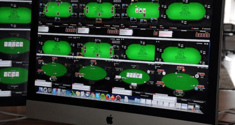 joueur pro poker écran